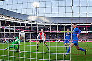 ROTTERDAM, Feyenoord - FC Twente, voetbal, Eredivisie seizoen 2015-2016, 22-11-2015, Stadion de Kuip, Feyenoord speler Simon Gustafson (M) scoort de 2-0.