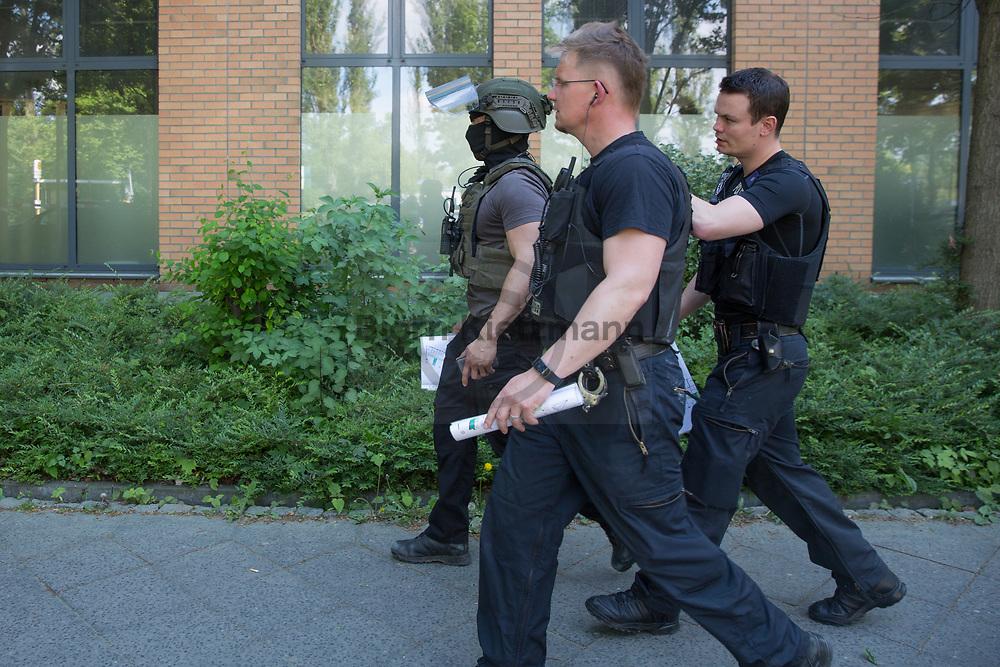 Berlin, Germany - 22.05.2017<br /> <br /> Police SWAT operation at a refugee shelter in Berlin-Wei&szlig;ensee because of threat with a knife.<br /> <br /> Polizei SEK-Einsatz an einer Fluechltingsunterkunft in Berlin-Wei&szlig;ensee wegen Bedrohung mit einem Messer.<br /> <br /> Photo: Bjoern Kietzmann