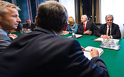 22.10.2013, Parlament, Wien, AUT, Bundesregierung, Gemeinsames Treffen von SPOe und OeVP zu den Koalitionsverhandlungen, im Bild Bundeskanzler Werner Faymann SPOe (rechts) // Federal Chancellor Werner Faymann SPOe (right) before meeting of SPOe and OeVP for coalition negotiations, Austrian Parliament, Vienna, Austria on 2013/10/22, EXPA Pictures © 2013, PhotoCredit: EXPA/ Michael Gruber