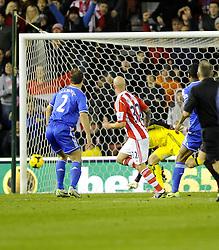Stoke City's Stephen Ireland scores - Photo mandatory by-line: Joe Meredith/JMP - Tel: Mobile: 07966 386802 07/12/2013 - SPORT - Football - Stoke-On-Trent - Britannia Stadium - Stoke City v Chelsea - Barclays Premier League