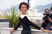 Actress Jeanne Balibar at the Barbara film photo call at the 70th Cannes Film Festival Thursday 18 May 2017, Cannes, France. Photo credit: Doreen Kennedy