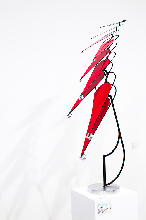 Echelon, 2015, by Pedro S. De Movellan, powder-coated aluminum, polished aluminum, and stainless steel, at the Maxwell Davidson Gallery booth at Art Basel Miami Beach 2015