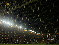 Photo: Andrew Unwin.<br /> Middlesbrough v Fulham. The Barclays Premiership.<br /> 20/11/2005.<br /> Fulham's goalkeeper, Tony Warner (L), is floored by Middlesbrough's third goal, scored by Jimmy Floyd Hasselbaink (not pictured).