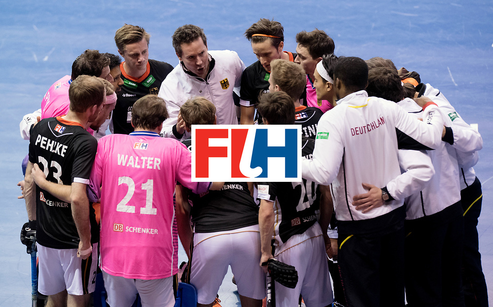 BERLIN - Indoor Hockey World Cup<br /> Men: Germany - Australia<br /> foto: Germany and Headcoach Stefan Kermas after the match.<br /> WORLDSPORTPICS COPYRIGHT FRANK UIJLENBROEK