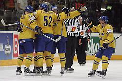 23.05.2010, Lanxess Arena, Koeln, GER, 74. IIHF WM, Spiel um Platz 3, Schweden ( SWE ) vs Deutschland ( GER ) im Bild: Schwedischer Jubel  EXPA Pictures © 2010, PhotoCredit: EXPA/ nph/   Florian Mueller
