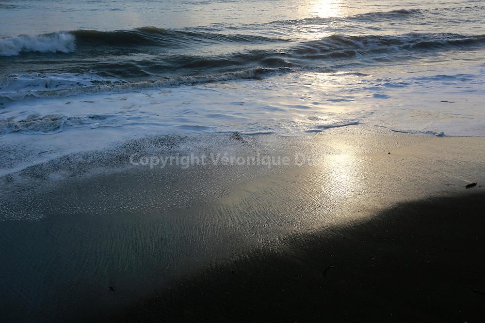 Seaside at Corcovado National Park, Costa Rica  // Bord de mer au Crépucule, Parc national Corcovado , Costa Rica