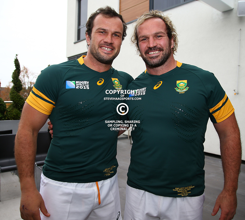LONDON, ENGLAND - OCTOBER 23: Bismarck du Plessis with Jannie du Plessis during the South African national rugby team Official team photograph at Radisson Blu Edwardian, Guildford on October 23, 2015, England. (Photo by Steve Haag/Gallo Images)
