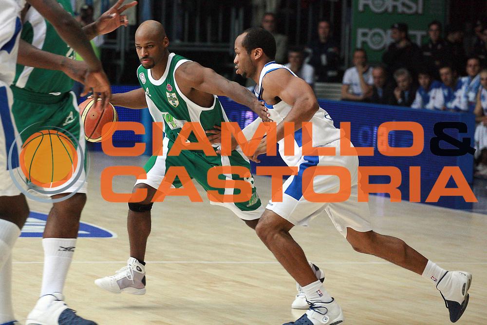 DESCRIZIONE : Cantu Lega A1 2008-09 NGC Cantu Air Avellino<br /> GIOCATORE : Travis Best<br /> SQUADRA : Air Avellino<br /> EVENTO : Campionato Lega A1 2008-2009<br /> GARA : NGC Cantu Air Avellino<br /> DATA : 27/10/2008<br /> CATEGORIA : Palleggio<br /> SPORT : Pallacanestro<br /> AUTORE : Agenzia Ciamillo-Castoria/S.Ceretti
