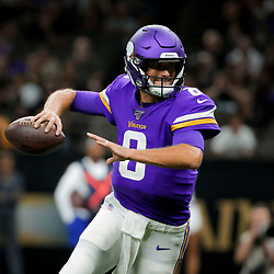 Aug 9, 2019; New Orleans, LA, USA; Minnesota Vikings quarterback Kirk Cousins (8) throws a touchdown to running back Alexander Mattison (25) against the New Orleans Saints during the first quarter at the Mercedes-Benz Superdome. Mandatory Credit: Derick E. Hingle-USA TODAY Sports
