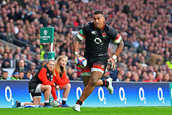 November 11, 2017 - London, England, United Kingdom - England's Nathan Hughes sprints for the line and England's first try during Old Mutual Wealth Series between England against Argentina at Twickenham stadium , London on 11 Nov 2017  (Credit Image: © Kieran Galvin/NurPhoto via ZUMA Press)