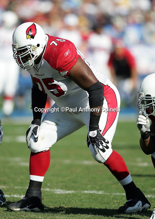 SAN DIEGO - DECEMBER 31:  Offensive tackle Leonard Davis #75 of the Arizona Cardinals gets set for the snap against the San Diego Chargers at Qualcomm Stadium on December 31, 2006 in San Diego, California. The Chargers defeated the Cardinals 27-20 to secure the number one seed in the AFC playoffs. ©Paul Anthony Spinelli *** Local Caption *** Leonard Davis
