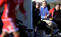 Fotball<br /> 22. Februar 2012<br /> Treningskamp<br /> La Manga, Spania<br /> Lillestrøm - Brann<br /> En deppa Lillestrøm trener Magnus Haglund (L) på benken med assistent Magnus Powel (M) , etter tapet<br /> Foto: Astrid M. Nordhaug