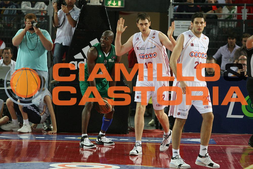 DESCRIZIONE : Roma Lega A1 2006-07 Playoff Semifinale Gara 2 Lottomatica Virtus Roma Montepaschi Siena <br /> GIOCATORE : Lorbek <br /> SQUADRA : Lottomatica Virtus Roma <br /> EVENTO : Campionato Lega A1 2006-2007 Playoff Semifinale Gara 2 <br /> GARA : Lottomatica Virtus Roma Montepaschi Siena <br /> DATA : 02/06/2007 <br /> CATEGORIA : <br /> SPORT : Pallacanestro <br /> AUTORE : Agenzia Ciamillo-Castoria/G.Ciamillo