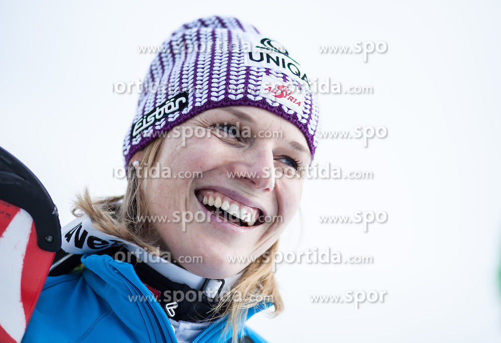 13.02.2013, Buerglalmbahn, Dienten, AUT, FIS Weltmeisterschaften Ski Alpin, Schladming 2013, Comeback Marlies Schild, im Bild Marlies Schild (AUT) // Marlies Schild of Austria during her Comeback for the FIS Ski World Championships 2013 SChladming at the Buerglalmbahn, Dienten, Austria 2013/02/13. EXPA Pictures © 2013, PhotoCredit: EXPA/ Juergen Feichter