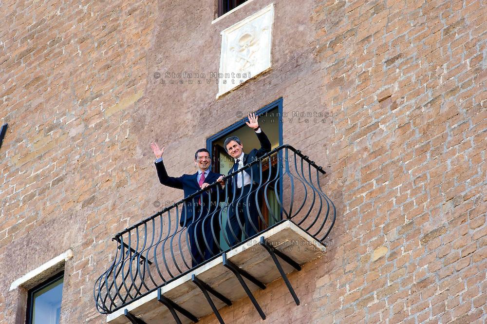 Roma 12 Giugno 2013<br /> Ignazio Marino  nuovo Sindaco di Roma al Campidoglio per il passaggio di consegne con il sindaco uscente  Gianni Alemanno sul balcone del Campidoglio