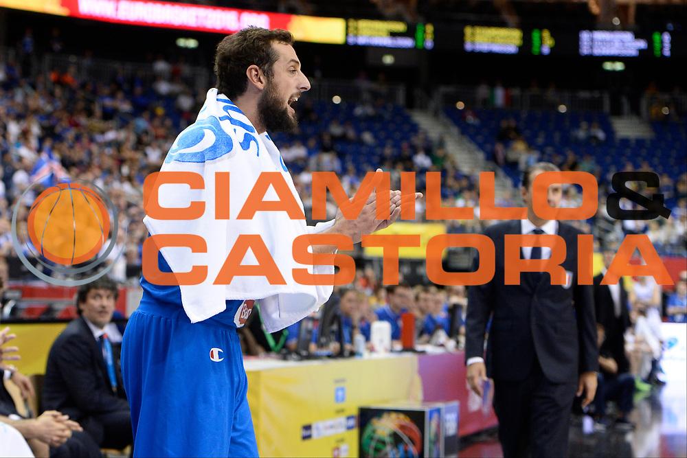 DESCRIZIONE : Berlino Berlin Eurobasket 2015 Group B Iceland Italy <br /> GIOCATORE : Marco Belinelli<br /> CATEGORIA : Esultanza<br /> SQUADRA : Italy<br /> EVENTO : Eurobasket 2015 Group B <br /> GARA : Iceland Italy <br /> DATA : 06/09/2015 <br /> SPORT : Pallacanestro <br /> AUTORE : Agenzia Ciamillo-Castoria/Mancini Ivan<br /> Galleria : Eurobasket 2015 <br /> Fotonotizia : Berlino Berlin Eurobasket 2015 Group B Iceland Italy