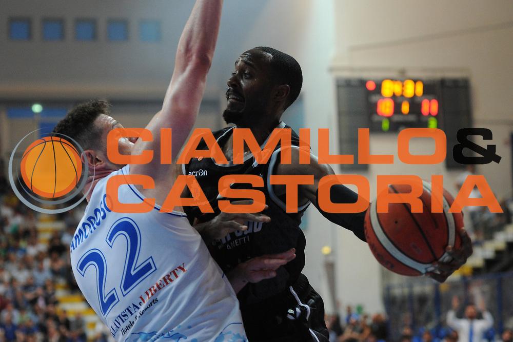 Michael Umeh<br /> Roseto Sharks - Segafredo Virtus Bologna<br /> Lega Nazionale Pallacanestro 2016/2017<br /> Roseto, 19/05/2017<br /> Foto Ciamillo-Castoria