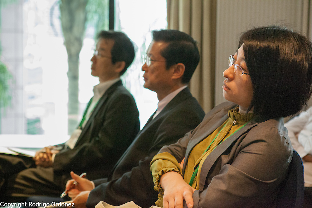 Participants listen to a presentation during a knowledge exchange session on the topic &quot;Enablers of deforestation-free supply chains&quot;, at the General Assembly of the Tropical Forest Alliance 2020 in Jakarta, Indonesia, on March 11, 2016. <br /> (Photo: Rodrigo Ordonez)