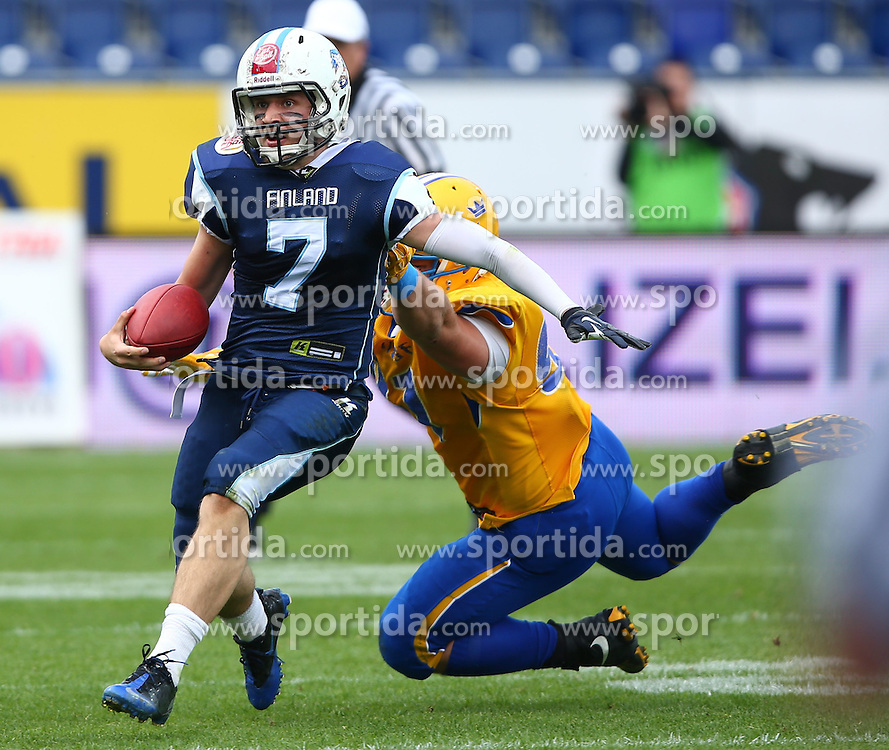 01.06.2014, NV Arena, St. Poelten, AUT, American Football Europameisterschaft 2014, Gruppe A, Finnland (FIN) vs Schweden (SWE), im Bild Miro Kadmiry, (Team Finland, QB, #7) und  David Strobel, (Team Sweden, DL, #91) // during the American Football European Championship 2014 group A game between Finland and Sweden at the NV Arena, St. Poelten, Austria on 2014/06/01. EXPA Pictures © 2014, PhotoCredit: EXPA/ Thomas Haumer