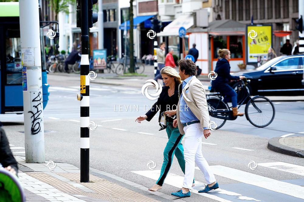 AMSTERDAM - In het Conservatorium Hotel vierde Leco Zadelhoff zijn 45ste verjaardag. Met op de foto  Daniëlle Oerlemans-Overgaag en Leco Zadelhoff. FOTO LEVIN DEN BOER  - PERSFOTO.NU