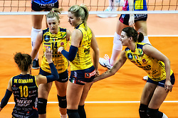 18-05-2019 GER: CEV CL Super Finals Igor Gorgonzola Novara - Imoco Volley Conegliano, Berlin<br /> Igor Gorgonzola Novara take women's title! Novara win 3-1 / Joanna Wolosz #14 of Imoco Volley Conegliano, Karsta Lowe #9 of Imoco Volley Conegliano, Robin de Kruijf #5 of Imoco Volley Conegliano