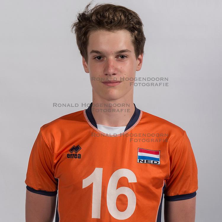 07-06-2016 NED: Jeugd Oranje jongens &lt;1999, Arnhem<br /> Photoshoot met de jongens uit jeugd Oranje die na 1 januari 1999 geboren zijn / Nimo Benne PL