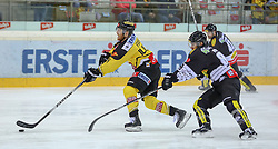 30.01.2015, Albert Schultz Eishalle, Wien, AUT, EBEL, UPC Vienna Capitals vs Dornbirner Eishockey Club, 43. Runde, im Bild Jamie Fraser (UPC Vienna Capitals) und Philip Putnik (Dornbirner Eishockey Club) // during the Erste Bank Icehockey League 43th round match between UPC Vienna Capitals and Dornbirner Eishockey Club at the Albert Schultz Ice Arena in Vienna, Austria on 2015/01/30. EXPA Pictures © 2015, PhotoCredit: EXPA/ Alexander Forst