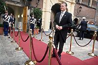 Nederland. Den Haag, 16 september 2008.<br /> Prinsjesdag.<br /> Minister Wouter Bos bij Algemene Zaken<br /> Foto Martijn Beekman<br /> NIET VOOR PUBLIKATIE IN LANDELIJKE DAGBLADEN.