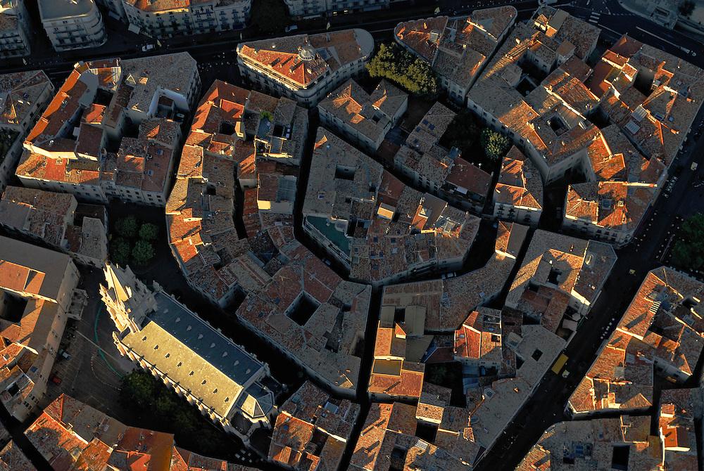 France, Languedoc Roussillon, Hérault, Montpellier, centre historique, l'Ecusson, église Sainte Anne, vue aérienne