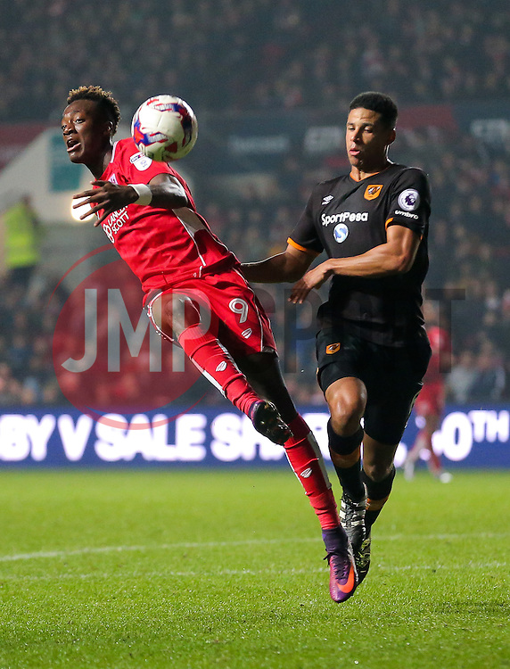 Tammy Abraham of Bristol City is caught by Curtis Davies of Hull City - Rogan Thomson/JMP - 25/10/2016 - FOOTBALL - Ashton Gate Stadium - Bristol, England - Bristol City v Hull CIty - EFL Cup Fourth Round.