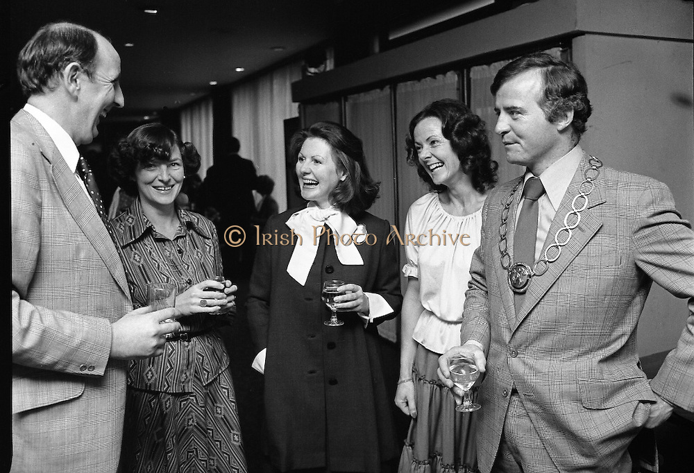 Accountants Lunch At Jurys Hotel.   (L57)..1977..14.12.1977..12.14.1977..!4th December 1977..Today saw the  holding of the Accountants Assoc Of Ireland's annual lunch. The guest speaker wasMrs Ib Jorgensen wife of the renowned designer Ib Jorgensen..Image of some of the attendees at the accountants lunch in Jurys Hotel, Dublin. If you know who these people are why not contact us at irishphotoarchive.ie and we will gladly add their names to the caption.