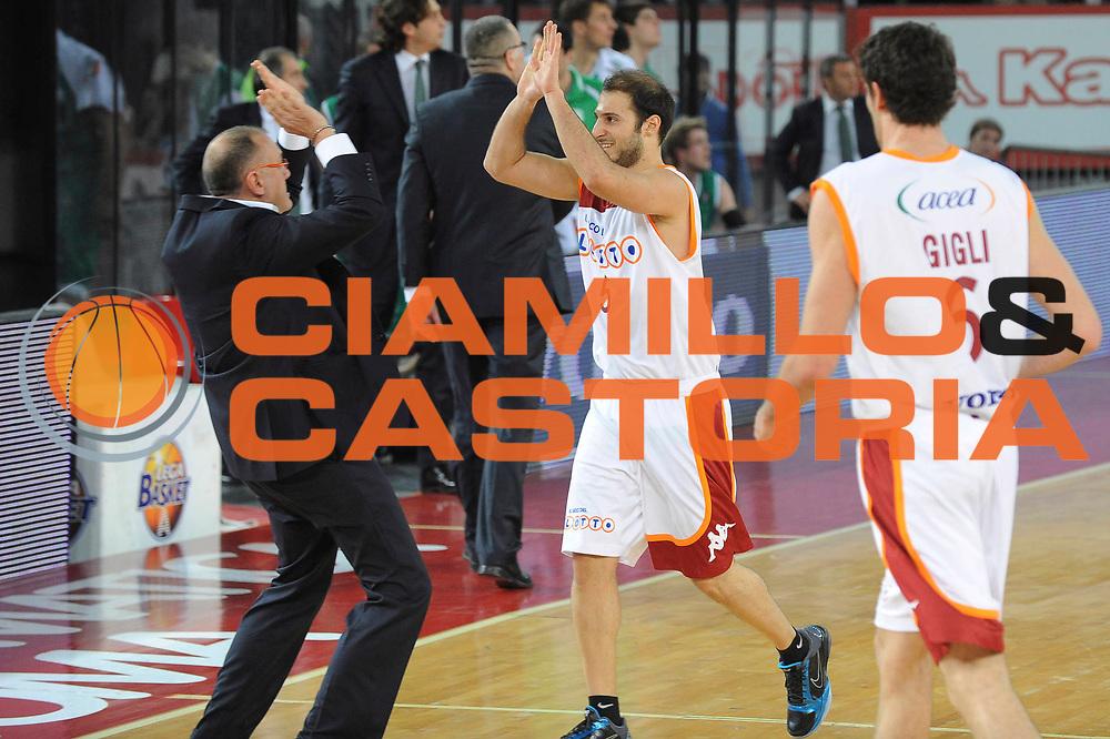 DESCRIZIONE : Roma Lega A 2009-10 Lottomatica Virtus Roma Benetton Treviso<br /> GIOCATORE : Matteo Boniciolli Jacopo Giachetti<br /> SQUADRA : Lottomatica Virtus Roma<br /> EVENTO : Campionato Lega A 2009-2010 <br /> GARA : Lottomatica Virtus Roma Benetton Treviso<br /> DATA : 07/02/2010<br /> CATEGORIA : Esultanza<br /> SPORT : Pallacanestro <br /> AUTORE : Agenzia Ciamillo-Castoria/GiulioCiamillo<br /> Galleria : Lega Basket A 2009-2010 <br /> Fotonotizia : Roma Campionato Italiano Lega A 2009-2010 Lottomatica Virtus Roma Benetton Treviso<br /> Predefinita :