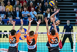 17.04.2019, Olympiahalle Innsbruck, Innsbruck, AUT, VBL, Deutsche Volleyball Bundesliga, HYPO Tirol Alpenvolleys Haching vs Berlin Recycling Volleys, Halbfinale, 3. Spiel, im Bild v.l.: Samuele Tuia (Berlin), Georg Klein (Berlin), Benjamin Patch (Berlin), Hugo De Leon Guimaraes da Silva (Tirol) // during the German Volleyball Bundesliga (VBL) 3rd semifinal match between HYPO Tirol Alpenvolleys Haching and Berlin Recycling Volleys at the Olympiahalle Innsbruck in Innsbruck, Austria on 2019/04/17. EXPA Pictures © 2019, PhotoCredit: EXPA/ JFK