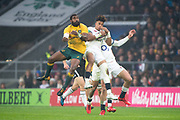 Twickenham, Surrey. UK. Full Back Antony WATSON collects the high ball, challenged by, Marika KOROIBETE, during the  England VS Australia, Autumn International. Old Mutual Wealth Series. RFU Stadium, Twickenham. UK<br />