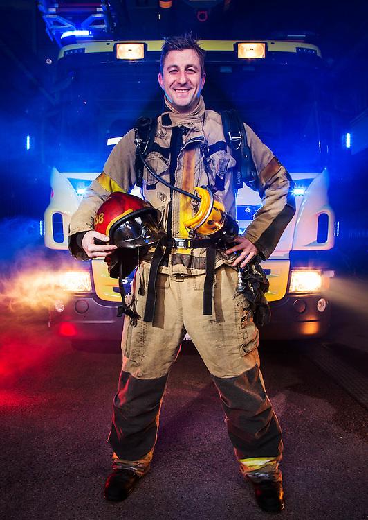 DRAMMEN 2013-12-17: Brannmann Marin Winther ved Drammen sentrum brannstasjon. FOTO:WERNERJUVIK