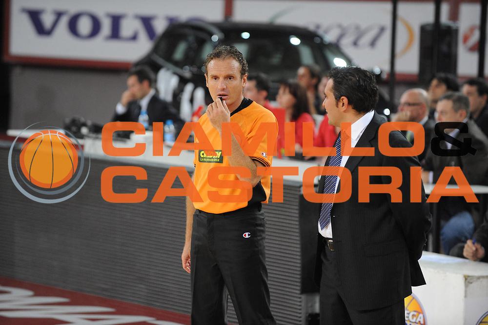 DESCRIZIONE : Roma Lega A 2009-10 Lottomatica Virtus Roma Vanoli Cremona<br /> GIOCATORE : Arbitro Referee<br /> SQUADRA : <br /> EVENTO : Campionato Lega A 2009-2010 <br /> GARA : Lottomatica Virtus Roma Vanoli Cremona<br /> DATA : 11/10/2009<br /> CATEGORIA : ritratto<br /> SPORT : Pallacanestro <br /> AUTORE : Agenzia Ciamillo-Castoria/G.Ciamillo