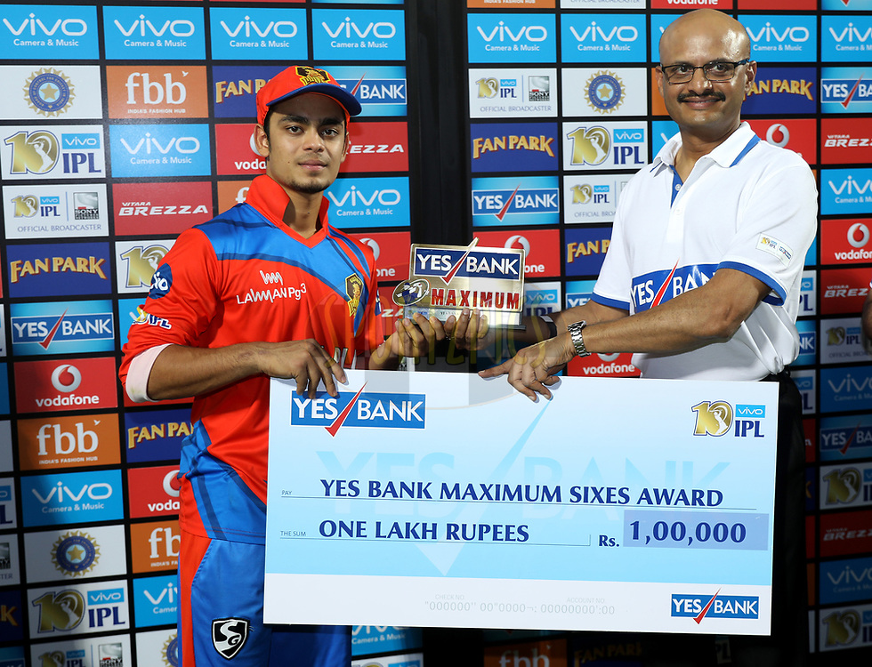 Ishan Kishan of the Gujarat Lions player receives Yes Bank Maximum sixes award during the presentation of the match 35 of the Vivo 2017 Indian Premier League between the Gujarat Lions and the Mumbai Indians  held at the Saurashtra Cricket Association Stadium in Rajkot, India on the 29th April 2017<br /> <br /> Photo by Sandeep Shetty - Sportzpics - IPL