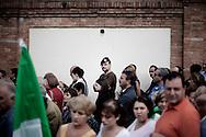 ROMA. CITTADINI IN FILA ALL'ESTERNO DELLA CAMERA ARDENTE ALLESTITA PER RENDERE OMAGGIO AI MILITARI ITALIANI CADUTI IN AFGHANISTAN