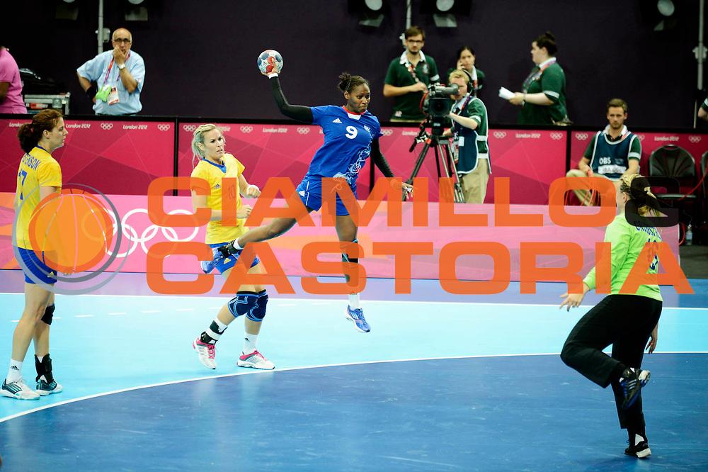 DESCRIZIONE : France Handball Jeux Olympiques Londres GIOCATORE : BAUDOUIN Paule FRA SQUADRA : France Femme DATA : 2012-08-01CATEGORIA : SPORT : HandBall AUTORE : AGENZIA CIAMILLO & CASTORIA/G.Ciamillo