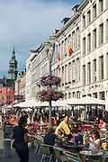belebte Grand Place, Mons, Hennegau, Wallonie, Belgien, Europa | vivid Grand Place, Mons, Hennegau, Wallonie, Belgium, Europe