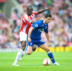 STOKE, ENGLAND - Sunday, September 14, 2008: Everton's Mikel Arteta in action against Stoke City during the Premiership match at the Britannia Stadium. (Photo by David Rawcliffe/Propaganda)