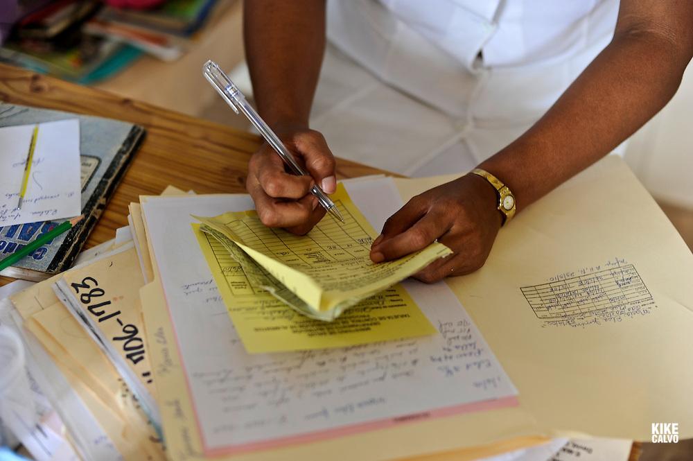 Indigenous children at the doctor. Ngo?be Bugle? Community. Chiriqui. Panama.