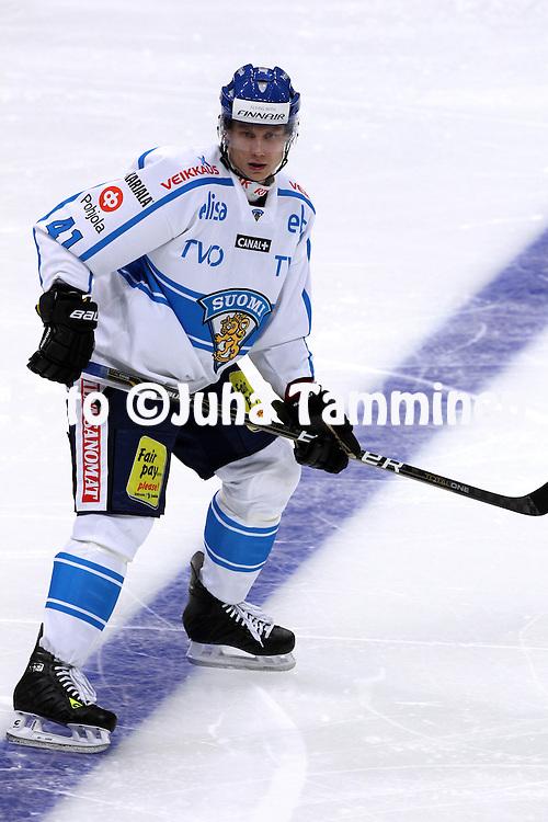 10.11.2011, Hartwall-Areena, Helsinki, Finland..Euro Hockey Tour - Karjala-turnaus 2011. Suomi - Venj / Finland v Russia..Pasi Puistola - Suomi..