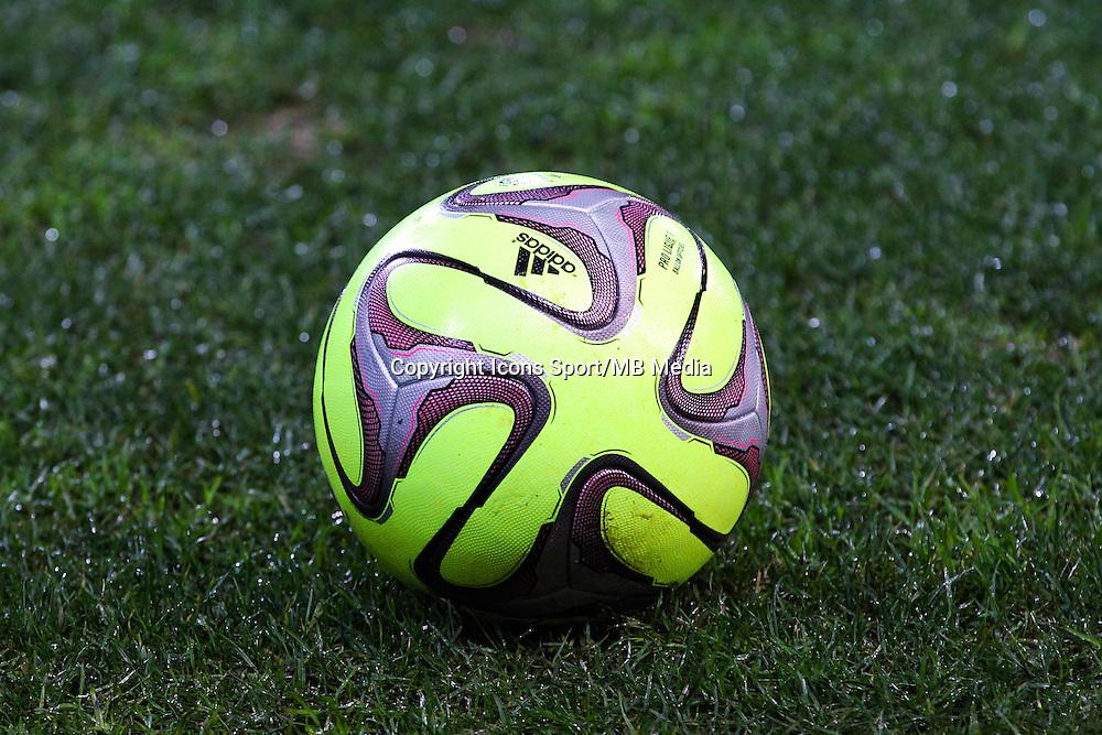 Illustration nouveau ballon  - 03.12.2014 - Guingamp / Caen - 16eme journee de Ligue 1 <br /> Photo : Vincent Michel / Icon Sport