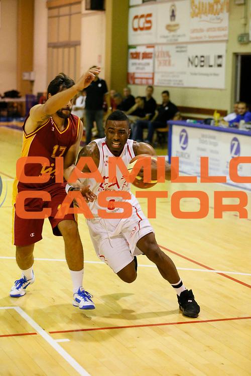 DESCRIZIONE : Borgomanero Lega A 2013-14 Amichevole EA7 Emporio Armani Milano Galatasaray<br /> GIOCATORE : Keith Langford<br /> CATEGORIA : Palleggio<br /> SQUADRA : EA7 Emporio Armani Milano<br /> EVENTO : Campionato Lega A 2013-2014<br /> GARA : Amichevole EA7 Emporio Armani Milano Galatasaray<br /> DATA : 19/09/2013<br /> SPORT : Pallacanestro <br /> AUTORE : Agenzia Ciamillo-Castoria/G.Cottini<br /> Galleria : Lega Basket A 2013-2014  <br /> Fotonotizia : Borgomanero Lega A 2013-14 Amichevole EA7 Emporio Armani Milano Galatasaray<br /> Predefinita :