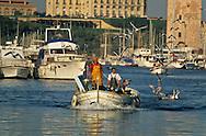 = Fish market and fishermen . old port  marseille  France       /// marche aux poissons. pecheurs. sur le vieux port  marseille  France        L0008219  /  R20711  /  P115811