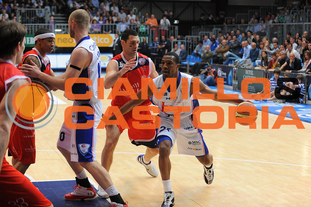 DESCRIZIONE : Cantu Lega A 2010-11 Bennet Cantu Angelico Biella<br />GIOCATORE : Mike Green<br />SQUADRA : Bennet Cantu<br />EVENTO : Campionato Lega A 2010-2011<br />GARA : Bennet Cantu Angelico Biella<br />DATA : 17/04/2011<br />CATEGORIA : Palleggio<br />SPORT : Pallacanestro<br />AUTORE : Agenzia Ciamillo-Castoria/A.Dealberto<br />Galleria : Lega Basket A 2010-2011<br />Fotonotizia : Cantu Lega A 2010-11 Bennet Cantu Angelico Biella<br />Predefinita :