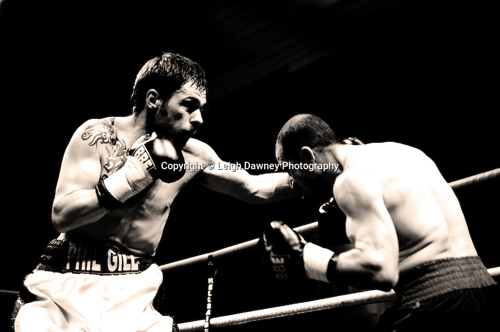 Phil Gill v Youseff Al Hamidi at Watford Colusseum 29 November 2009 Promoter Mickey Helliet, Hellraiser Promotions: Credit: ©Leigh Dawney Photography