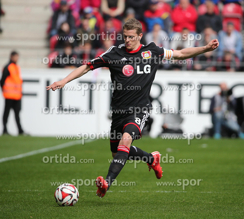 11.04.2015, Coface Arena, Mainz, GER, 1. FBL, 1. FSV Mainz 05 vs Bayer 04 Leverkusen, 28. Runde, im Bild Lars Bender (Bayer) // during the German Bundesliga 28th round match between 1. FSV Mainz 05 and Bayer 04 Leverkusen at the Coface Arena in Mainz, Germany on 2015/04/11. EXPA Pictures &copy; 2015, PhotoCredit: EXPA/ Eibner-Pressefoto/ Neurohr<br /> <br /> *****ATTENTION - OUT of GER*****