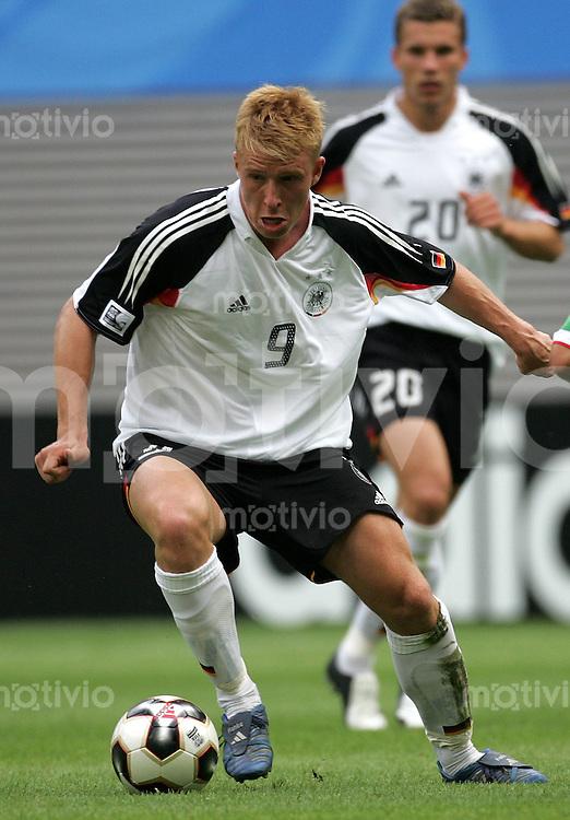 Fussball International FIFA Confederations Cup 2005 Spiel um Platz drei      Deutschland - Mexico Mike Hanke (GER).